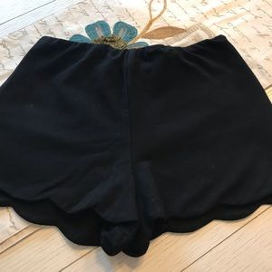 Design Lab Scalloped Shorts Size S